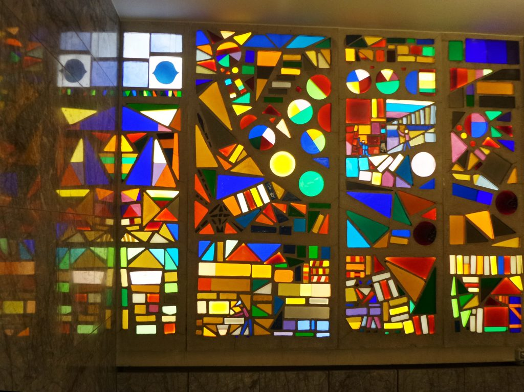 Folksamhuset, våning 27, glasmosaik av Sven X-et Erixon. Foto Holger Ellgard